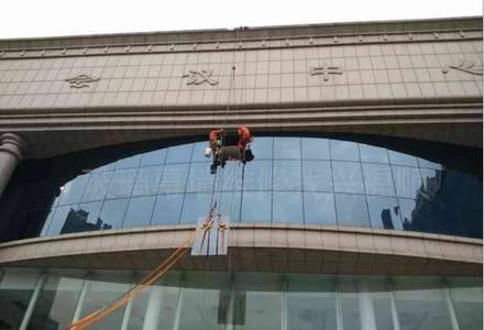外墙玻璃维修安装
